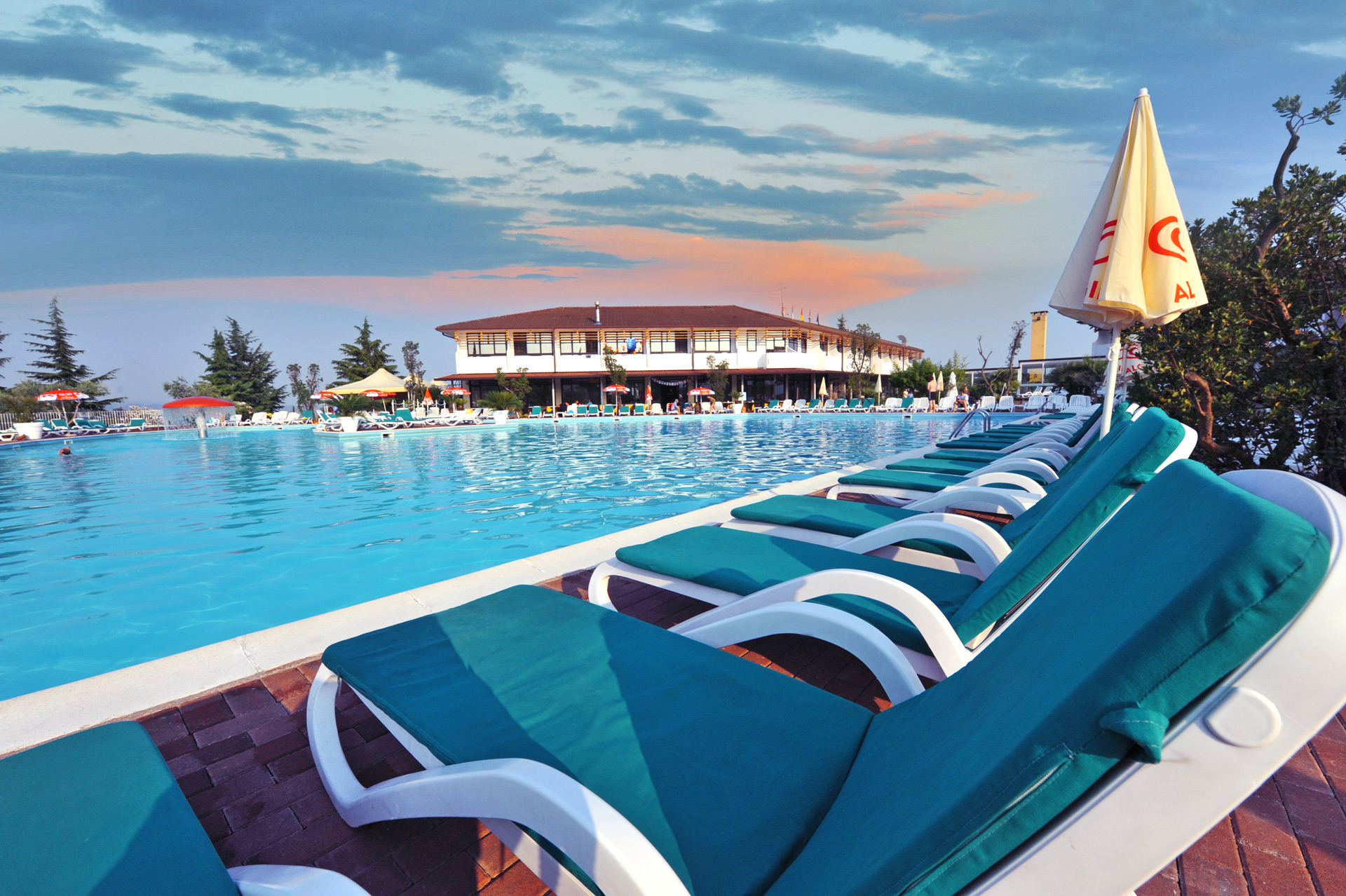 Hotel-Gardesano-pool