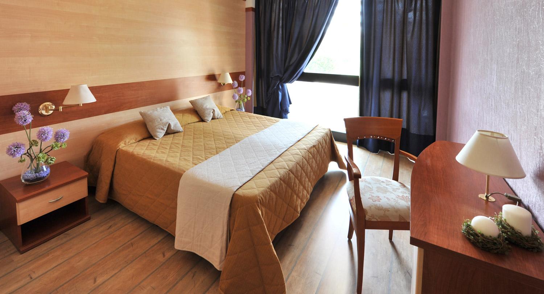 Hotel-Gardesano-vaerelse