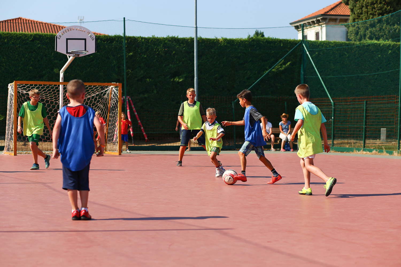 CampingBellaItalia_fodboldbane-grus